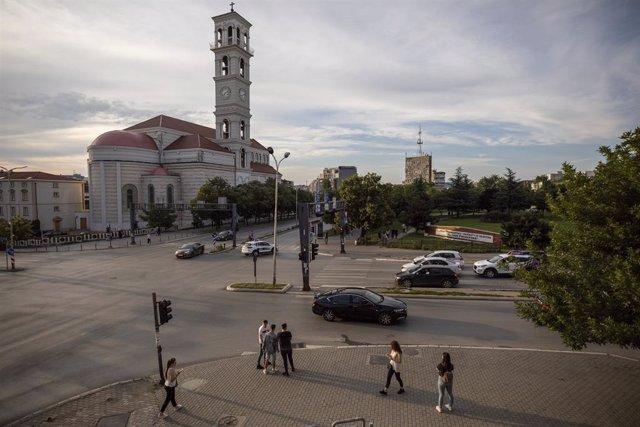 Coronavirus.- Kosovo vuelve a imponer el toque de queda en la capital para frena