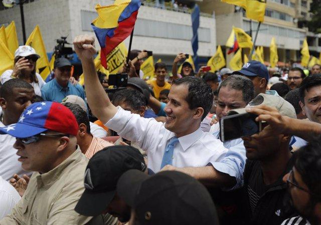 """Venezuela.- Guaidó urge a la FANB a asumir un """"papel protagónico"""" en la lucha co"""