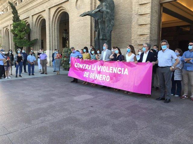 Concentración contra la violencia de género tras la violación ocurrida en el Parque Palomar de Zaragoza.