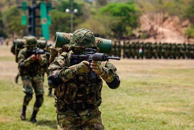 Colombia.- Detenidos y expulsados del Ejército de Colombia dos militares por pre