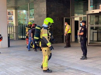 Desalojada la Torre 3 de la Ciudad Administrativa 9 d'Octubre de València por un incendio