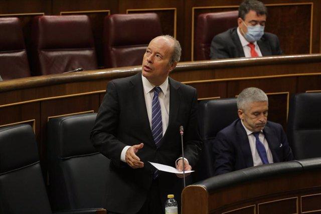 El ministro de Justicia, Juan Carlos Campo, interviene en la primera sesión de control al Gobierno en el Congreso de los Diputados tras el estado de alarma, en Madrid (España), a 24 de junio de 2020. (ARCHIVO)