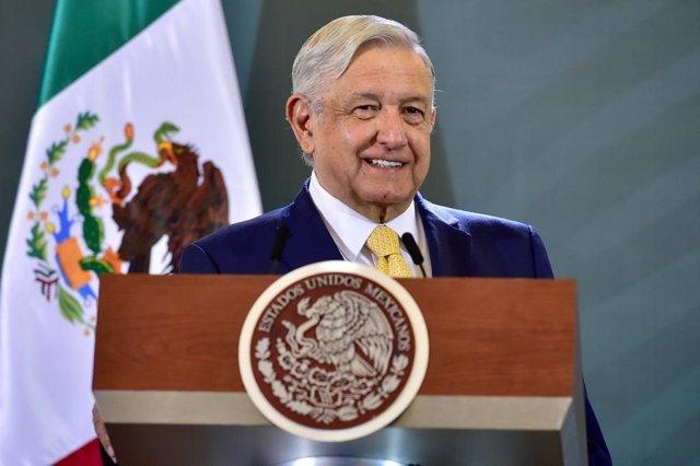 Coronavirus.- López Obrador dice que se hará el test del coronavirus antes de su