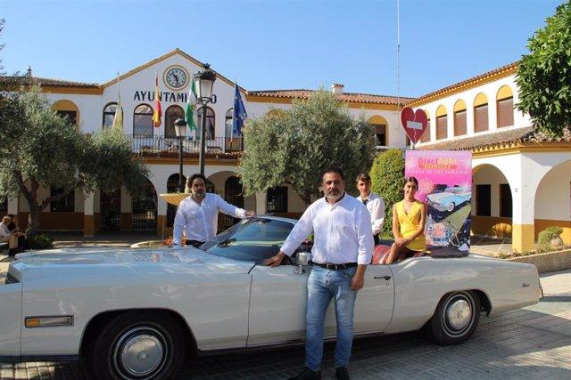 El primer teniente de alcalde de Bormujos, en la presentación del autocine de la localidad