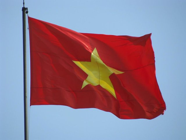 """Vietnam.- Vietnam condena a tres activistas a 19 años de prisión por intentar """"d"""
