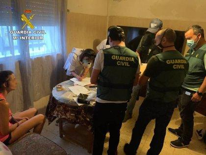 Detenida una mujer con 12 gramos de cocaína en su bolso y otra en patinete con speed y éxtasis en San Juan