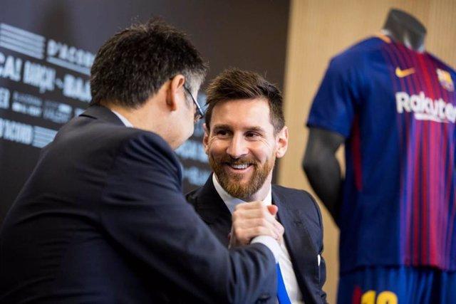 """Fútbol.- Bartomeu: """"Messi se retirará en el Barça y no conmigo, porque seguirá"""""""