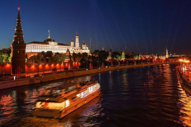 Vista del Kremlin desde el río Moscova