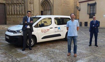 CaixaBank, Fundación 'la Caixa' colaboran con Cáritas Diocesana de Huesca para la adquisición de una furgoneta
