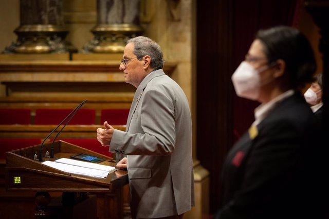 El presidente de la Generalitat, Quim Torra, interviene en una sesión plenaria, en el Parlamento catalán, en la que se debate la gestión de la crisis sanitaria del COVID-19 y la reconstrucción de Cataluña ante el impacto de la pandemia, en Barcelona, Cata