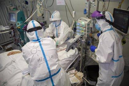 Un total de 458 sanitarios se han contagiado de Covid en Cantabria, casi un 15% de los infectados
