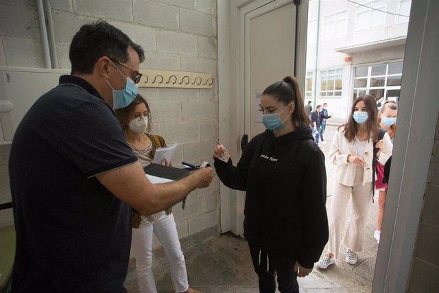 Selectividad en la comarca de A Mariña (Lugo) pese al cierre por el brote de COVID-19