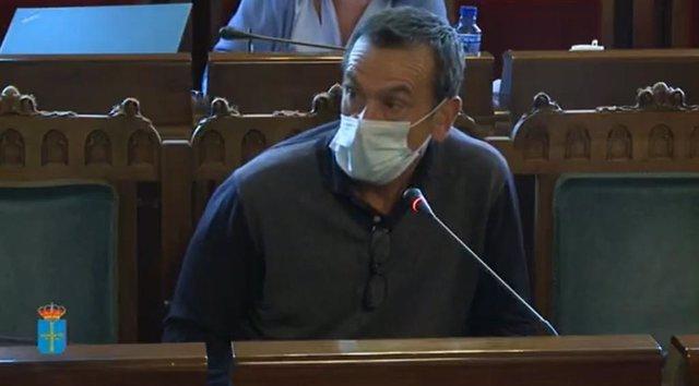 El Director De La Residencia Del ERA De Grado, Carlos Briansó Cárcamo.