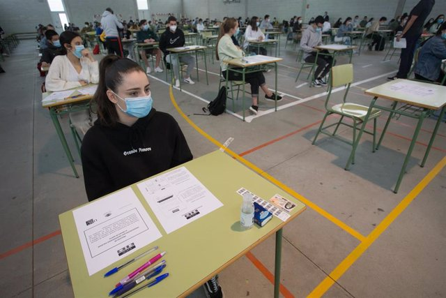 Estudiantes de bachillerato realizan en el IES Vilar Ponte