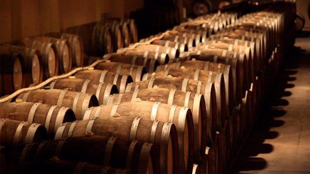 UE.- La UE eleva su aportación en programas de apoyo al vino y permitirá anticip