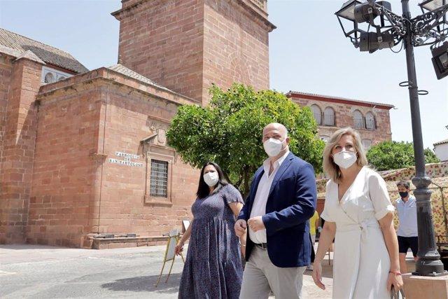 El presidente de la Diputación de Córdoba, Antonio Ruiz, en su visita a Montoro