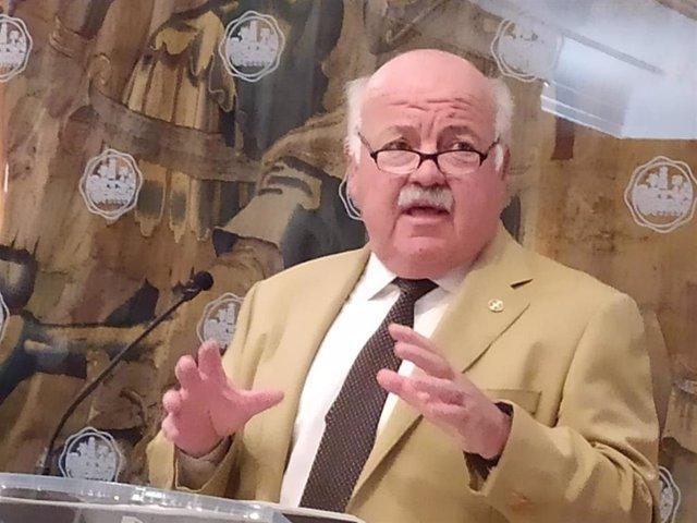 El consejero de Salud y Familias de la Junta de Andalucía, Jesús Aguirre.