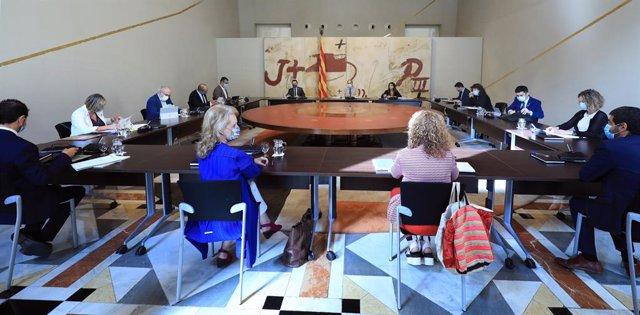 El presidente de la Generalitat, Quim Torra, encabeza la reunión del Consell Executiu