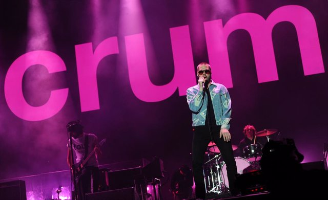 Tom Meighan of Kasabian performs on Day 1 of the V Festival at Hylands Park on August 22, 2015 in Chelmsford, England