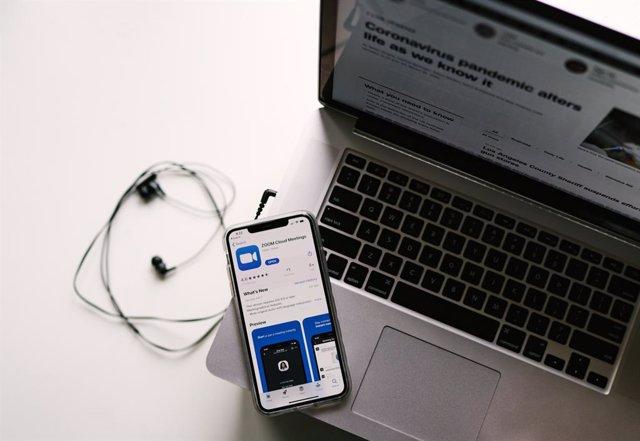 Microsoft y Zoom se unen a Facebook, Twitter y Google y dejarán de ofrecer infor