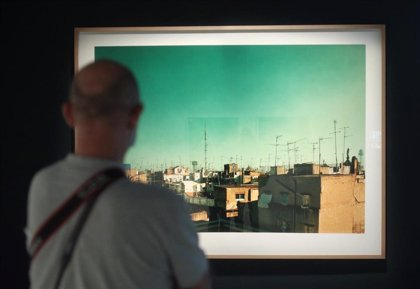 CaixaForum explora con 'Cámara y ciudad' la relación de fotógrafos y cineastas con la ciudad moderna en el último siglo