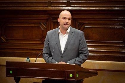 """El PSC acusa al Govern de no asistir a personas """"por ser mayores y vivir en residencias"""""""