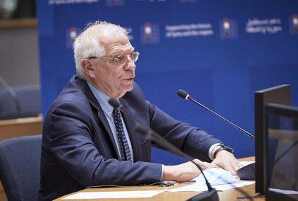 """Borrell transmite a Malta que """"no está sola"""" ante la presión migratoria y llama a trabajar juntos en la UE"""