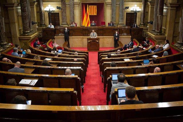 El president de la Generalitat, Quim Torra, durante su intervención en una sesión plenaria en la que se debate la gestión de las residencias para personas mayores y para personas con discapacidad durante la pandemia del COVID-19, en Barcelona, Catalunya (