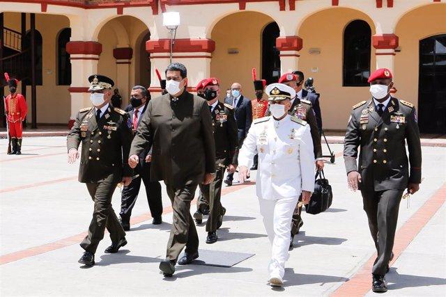 Nicolás Maduro junto a la cúpula de las Fuerzas Armadas