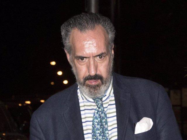 Jaime de Marichalar, con una favorecedora barba, tras disfrutar de una cena con amigos en la capita