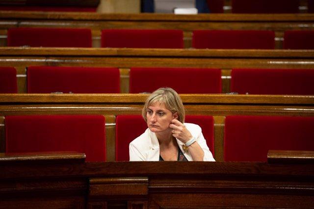 La consellera de Salut de la Generalitat, Alba Vergés, en la sessió plenària en la qual es debat la gestió de les residències per a persones grans i amb discapacitat durant la pandèmia de la covid-19.
