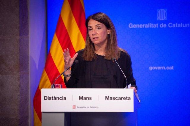 La consellera de la Presidencia y portavoz de la Generalitat, Meritxell Budó, interviene para informar en rueda de prensa sobre el impacto económico de la pandemia en el deporte y cómo reactivarlo, en Barcelona, Catalunya (España), a 25 de junio de 2020.