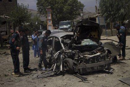 Al menos seis policías muertos en nuevos ataques talibán en Afganistán
