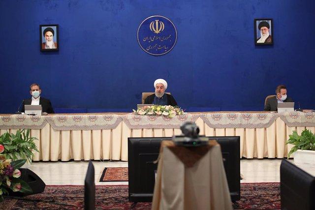 Coronavirus.- Irán prohíbe las bodas y los funerales tras superar los 12.000 fal