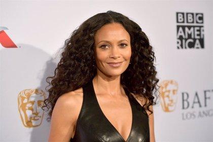 Thandie Newton denuncia la cosificación y racismo que la hicieron rechazar Los ángeles de Charlie