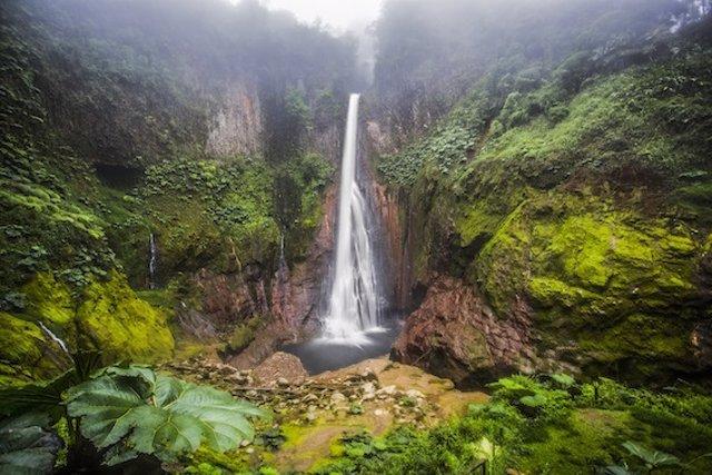 Costa Rica presenta su nuevo modelo de desarrollo económico y social basado en l