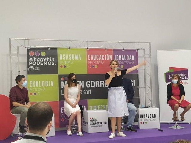 La ministra de Trabajo y Economía Social, Yolanda Díaz, en un acto electoral en Vitoria