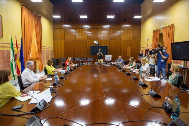 La secretaria general del PSOE-A, Susana Díaz, reunida con la Asociación Andaluza de Empresas Educativas, Culturales y Ocio