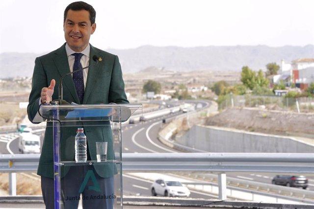 El presidente de la Junta de Andalucía en la puesta en servicio de la carretera Vera-Garrucha (Almería)