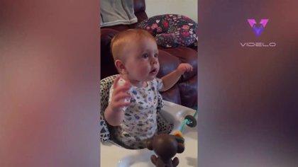 Los padres de un bebé de un año descubren que la melodía de la serie 'The Office' calma su llanto
