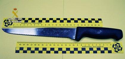 Detenido por intentar robar en una vivienda y amenazar a la dueña de la casa con un cuchillo