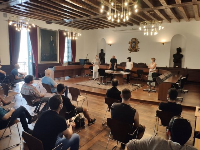 Reunión del Ayuntamiento de Ordizia con representantes de la hostelería local