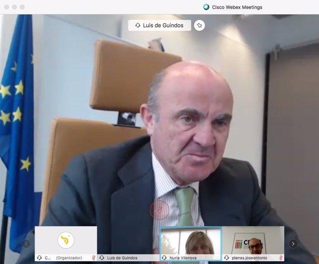 """UE.- Guindos (BCE) pide no cargar con """"obligaciones adicionales"""" a empresas y fa"""