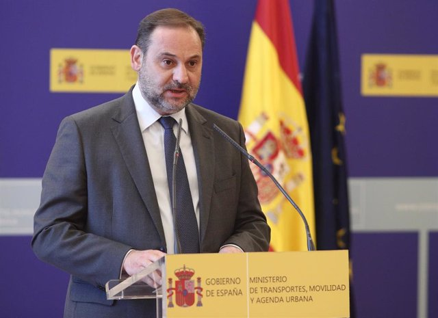 El ministro de Transportes, Movilidad y Agenda Urbana, José Luis Ábalos