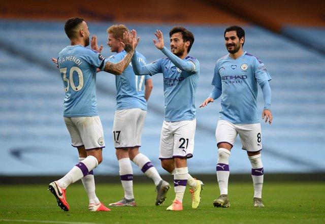 Fútbol/Premier.- (Crónica) Silva dirige la exhibición del Manchester City ante e