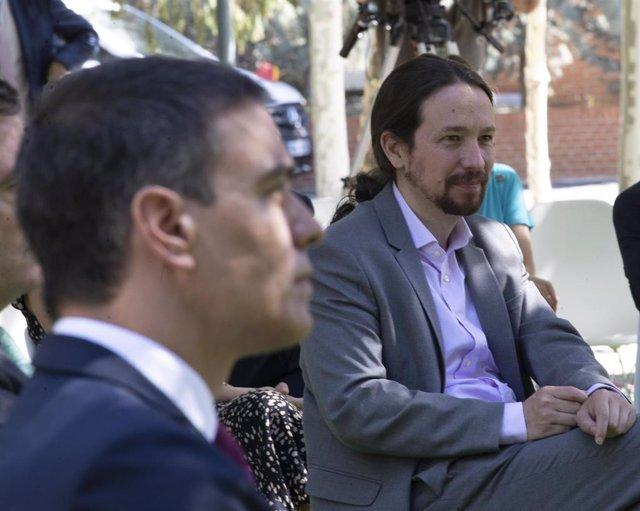 El presidente del Gobierno, Pedro Sánchez (i), y el vicepresidente segundo del Gobierno, Pablo Iglesias, en una imagen de archivo