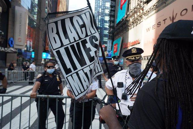 EEUU.- George Floyd dijo más de 20 veces que no podía respirar durante su arrest
