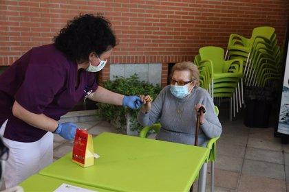 Cinco usuarios de la residencia de mayores de Burela (Lugo) están aislados tras dar positivo una empleada