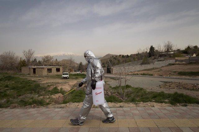 Coronavirus.- Irán bate de nuevo su récord de fallecidos diarios al registrar 22