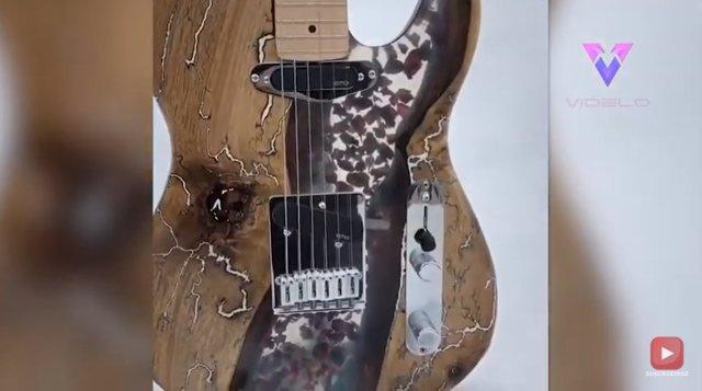 Así son las originales guitarras de madera de este habilidoso artesano